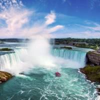 Niagara's incredible Horseshoe Falls   © Destination Ontario