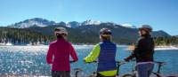 Cyclists enjoying the view of The Rockies | ©VisittheUSA.com