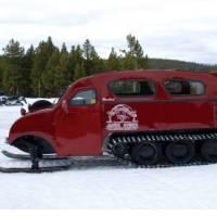 Yellowstone snow coach